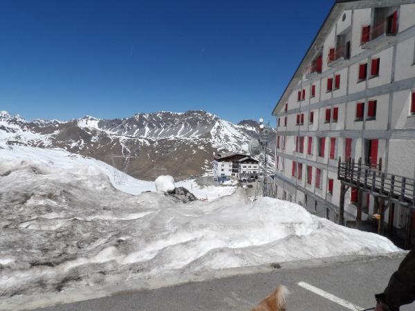 ski , accident  sur piste artificielle et absence de port du casque par la victime,  responsabilité de la commune